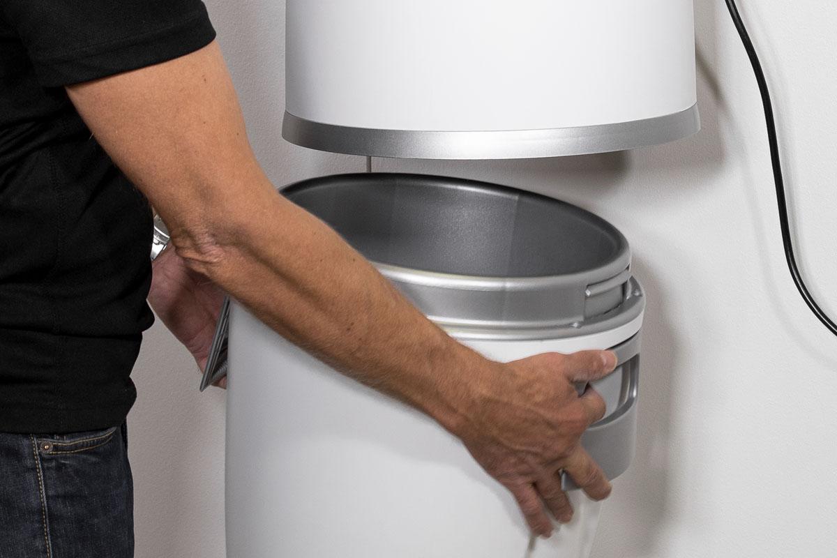 allaway-easy-to-use-dust-bin